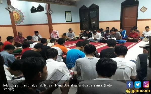 Cara Lulus Ujian Nasional, Anak Binaan Panti Doa Bersama - JPNN.com