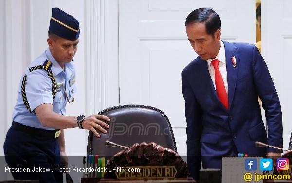 BBM Naik, Pengamat: Pemerintahan Jokowi Panik Luar Biasa - JPNN.com