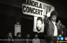 Mantan Ibu Negara Afsel Winnie Mandela Wafat - JPNN.com