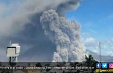 Gunung Sinabung Kembali Erupsi - JPNN.com