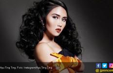 Buru-buru Pulang ke Indonesia, Ayu Ting Ting Pengin Coblos 02? - JPNN.com