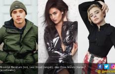 Status Belum Jelas, Anak Beckham Kepergok Cium Model Playboy - JPNN.com