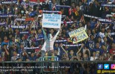 Arema FC Kalah, Fan Kecewa, Persib Terpaksa Pulang Naik Barracuda - JPNN.com
