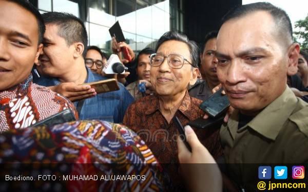 Tiba-tiba Megawati Soekarnoputri Telepon Boediono - JPNN.com