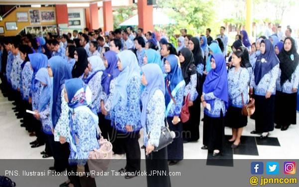 Hari Pertama Kerja, Hanya 5 ASN Bekasi yang Tidak Masuk - JPNN.com