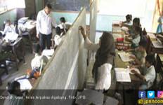 Akhirnya Ratusan Sekolah Rusak Diperbaiki - JPNN.com