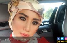 Shinta Bachir Berat Tinggalkan Salat Tarawih - JPNN.com