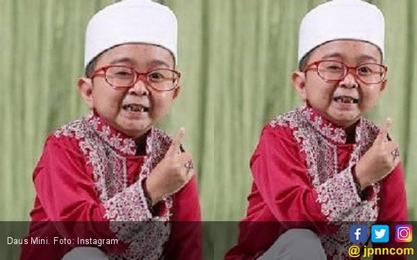 Belum Sebulan Nikah, Daus Mini Mewek Digugat Cerai Istri - JPNN.com