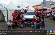 MitoSI Cicipi Langsung Mitsubishi Outlander PHEV di IIMS - JPNN.com