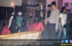 Polisi Gerebek Cafe di Jalan Sudirman, Nih Hasilnya - JPNN.com