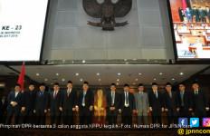 Paripurna DPR Setujui 9 Orang Calon Anggota KPPU 2017-2022 - JPNN.com