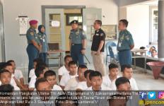 Danlantamal V Tinjau Pelaksanan Tes Calon Taruna dan Bintara - JPNN.com