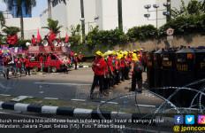 Dilarang ke Istana, Buruh Maki Rezim Jokowi - JPNN.com
