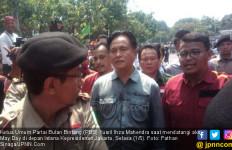 Yusril Ingatkan Jokowi Berpihak ke Buruh Lokal ketimbang TKA - JPNN.com