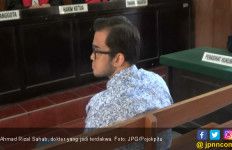 Telantarkan Anak Istri, Pak Dokter Dituntut 7 Bulan Bui - JPNN.com