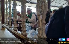 Ziarah ke Banten, Ini Doa Relawan untuk Jokowi - JPNN.com