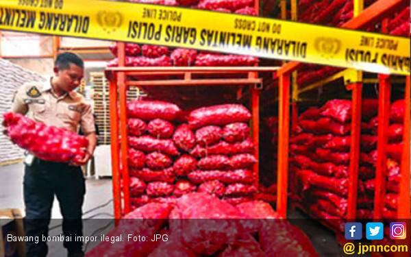 Curang, Bawang Bombai Merah Dioplos Puluhan Ton - JPNN.com