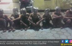8 Remaja Digunduli, Kepalanya Ditutup Plastik - JPNN.com