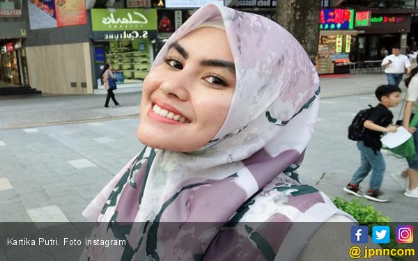 Kartika Putri: Alhamdulillah Gak Bener - JPNN.com