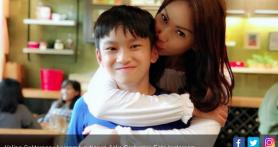 Azka Corbuzier Tulis Curhatan Menohok tentang Hubungan Ibunya dengan Vicky Prasetyo