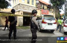 Polisi Geledah Rumah Mewah Terduga Teroris  - JPNN.com