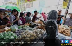 Menikmati Takjil di Pasar Benhil - JPNN.com