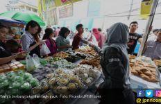 Kerumunan Pedagang dan Pemburu Takjil Tanda PSBB Tidak Efektif? - JPNN.com