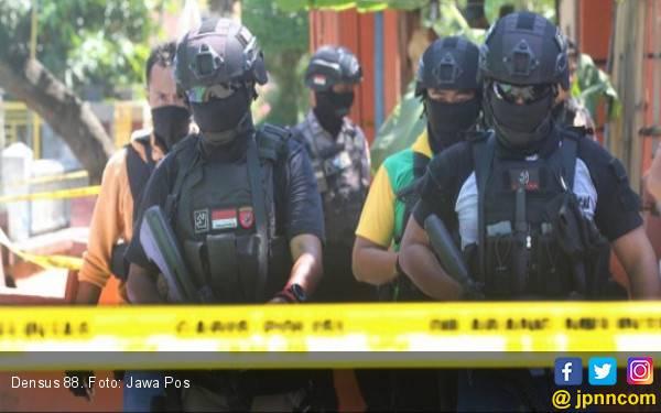 Densus 88 Amankan Teroris di Gresik, Jaringan Bogor - JPNN.com