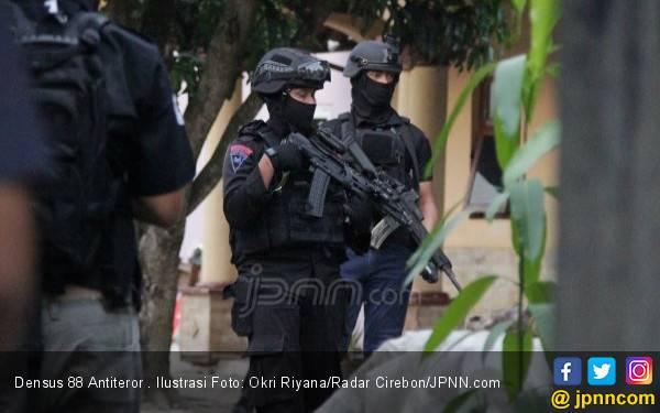 Densus 88 Dikerahkan Usut Teror Molotov di Rumah Ketua KPK - JPNN.com