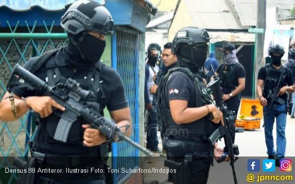 Terungkap, Terduga Teroris Tunggu Instruksi Lakukan Bom Bunuh Diri di Jakarta - JPNN.com