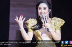 Krisdayanti Imbau Anak Muda untuk Peduli pada Sesama - JPNN.com