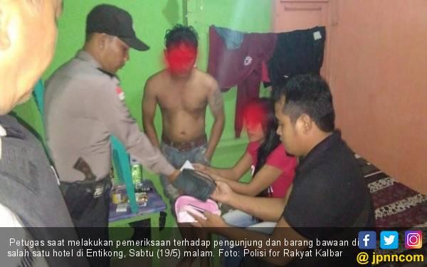 Pria Malaysia Kepergok Ngamar dengan Mahasiswi - JPNN.com