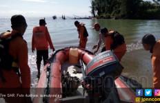 Kapal Terbalik di Pasaman Barat, 12 Penumpang Selamat - JPNN.com