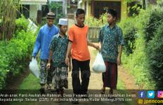 Tiap Bulan Bagikan Beras ke Warga tanpa Pandang Agama - JPNN.com