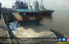 Lanal Dumai Tangkap Kapal Pengangkut Pasir Ilegal - JPNN.com