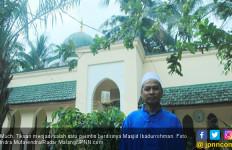Berbentuk Masjid Nabawi, Lentera di Kampung Minoritas - JPNN.com