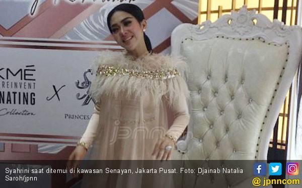 Incess Syahrini Berbagi Tips Riasan Natural Glam Manjah - JPNN.com