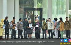 Keluarga Korban Pelanggaran HAM Memasuki Istana - JPNN.com