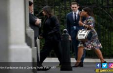 Temui Trump di Gedung Putih, Kim Pakai Stiletto Kuning - JPNN.com