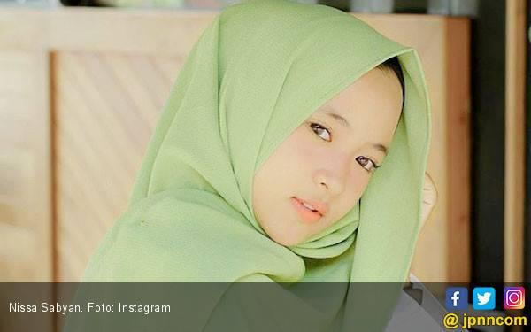 Nissa Sabyan, Penyanyi Gambus yang Mendadak Jadi Idola - JPNN.com