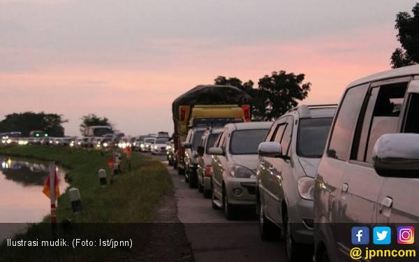 Tenang, Ratusan Ambulans Dikerahkan di Jalur Mudik - JPNN.com