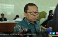 Bela Jokowi, Sekjen PPP Sarankan Humphrey Belajar Hukum Lagi - JPNN.com