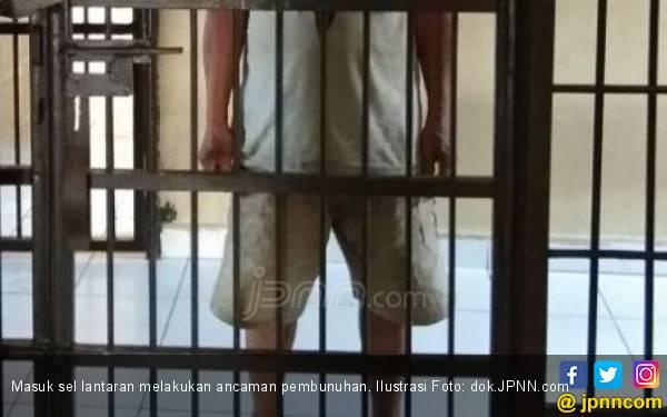 Istri Siri Digoda Tetangga, Bang Mus Ambil Celurit - JPNN.com