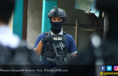 Terduga Teroris Ditangkap Setelah Antar Anak ke Sekolah - JPNN.com