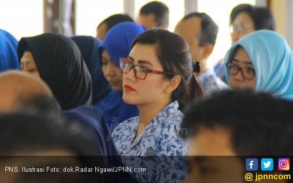 PNS Perpanjang Libur Bakal Kena Sanksi - JPNN.com