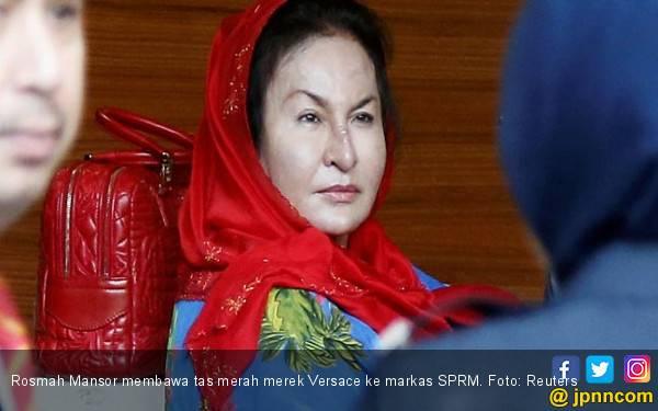 Duh, Nyonya Najib Dijerat 17 Dakwaan - JPNN.com