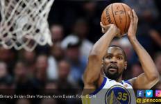 Permalukan Cavaliers, Warriors Selangkah Lagi Juara NBA - JPNN.com