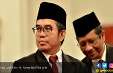 Yudi Latif: Negara yang Punya Identitas Nasional Lebih Kuat Hadapi Corona - JPNN.com