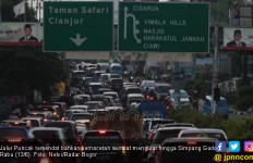 Jalur Puncak Bogor Macet Hingga Malam - JPNN.com