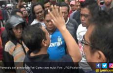 Panwaslu dan Pendukung Puti Adu Mulut karena Baliho Soekarno - JPNN.com